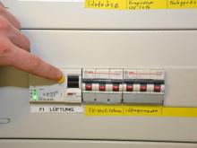 FI-Schalter drücken – Alarm