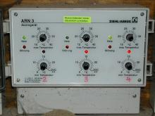 Kontrolllichter geben über Status der Anlage und Ladestand des Akkus Auskunft